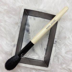 Bobbi brown sheer powder / highlighter blush brush